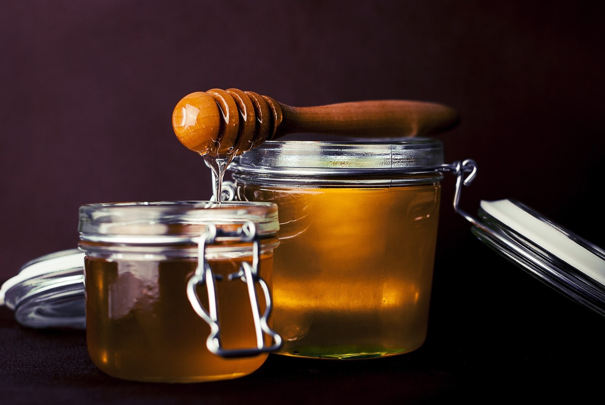 6 Wonderful Uses for Honey and Cinnamon